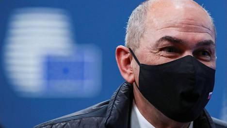 STA on ollut Slovenian pääministerin Janez Jansan hampaissa.