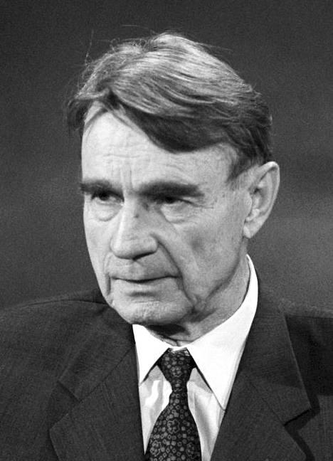 Presidentti Koivisto päätti viimeisen presidenttikautensa vuonna 1994. Vuonna 1995 hän esiintyi MTV:n haastattelussa.