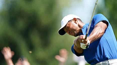 """Tiger Woods hyökkäsi ja nousi mukaan taistelemaan major-voitosta: """"Minulla on mahdollisuus"""""""