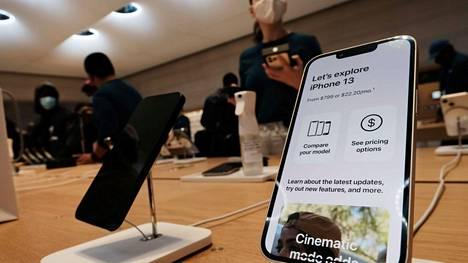 Uusi iPhone 13 kuuluu puhelimiin, joita ei ole ainakaan aluksi saatavilla kaikkina vaihtoehtoina.