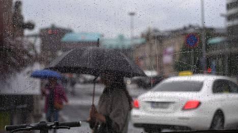 Huomenna ei ole paras päivä lähteä vesille, huomauttaa Ilmatieteen laitoksen päivystävä meteorologi.