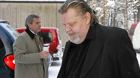 Vesa-Matti Loiri saapui ystävänsä hautajaisiin.