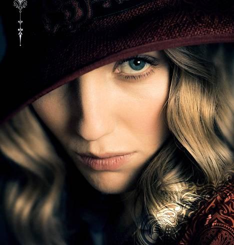Annabelle Wallis esittää Grace Burgessia, jolla on salaisuus.