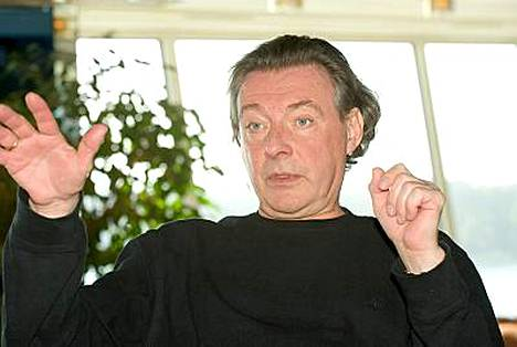 Kirka halusi tehdä rajun rock-levyn Suomen kovimpien rock- ja metallimuusikoiden kanssa.