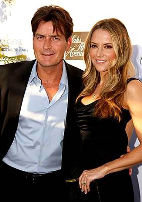 Charlie Sheen ja Brooke Mueller avioituivat kolmisen kuukautta sitten.