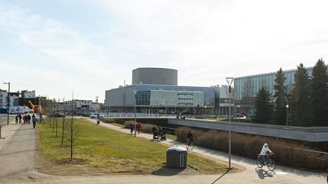 Oulun oikeistoryhmittymä äänesti kaupunginhallituksessa yhtenä rintamana teatterin puolen miljoonan euron tukileikkauksen puolesta.