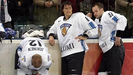Olympiahopea ja finaalitappio Ruotsille 2006 kirpaisi pelaajia, mutta on Suomen kiekkohistorian upeimpia saavutuksia.