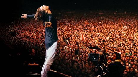 INXS esiintyi Wembleyn stadionilla vuonna 1991. Keikka nähdään keskiviikkoiltana tv:stä.