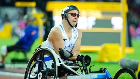 Toni Piispanen voitti parayleisurheilun MM-kisoissa hopeaa 100 metrillä.