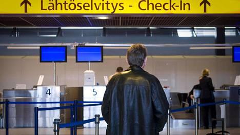 Oulun ja Kuusamon kentillä tarkastetaan Helsinkiin päin lähtevien lentomatkustajien matkustamisen tarkoitus.