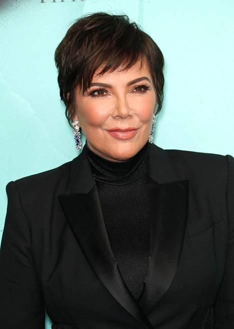 Tältä Kris Jennerin tavanomainen hiustyyli näyttää.