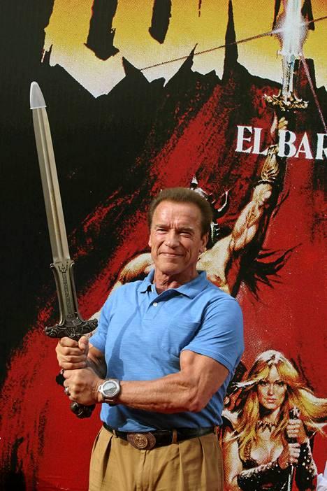 Muskelimies Arnold Schwarzenegger saapuu Suomeen.