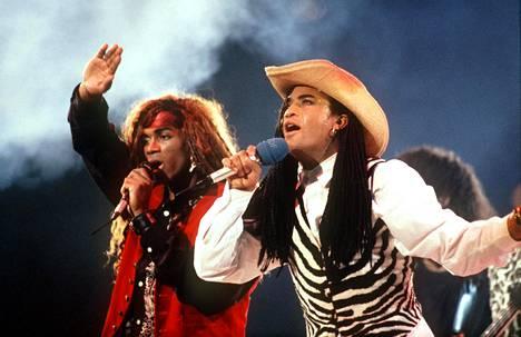 Milli Vanilli esiintyi Saksassa marraskuussa 1989.