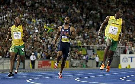 Usain Bolt on ainoa voittajasuosikki 200 metrin MM-juoksussa. Kysymys lienee vain siitä, mikä on Boltin aika.