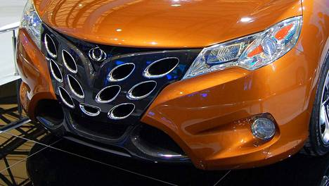 Geely Starin keula näytti 2011 Shanghain autonäyttelyssä tältä.