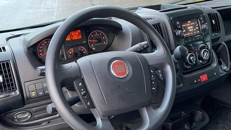 Fiat Ducato (kuvassa) on ollut jo pitkään Suomen yleisin matkailuautoalusta.