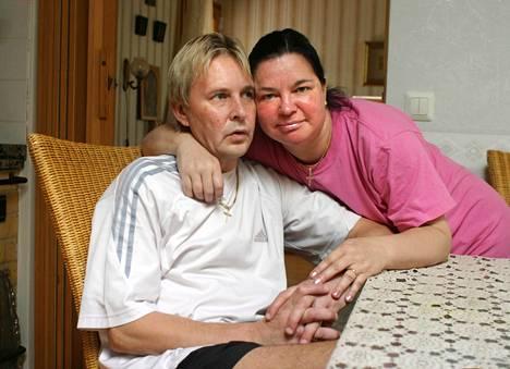 Matti ja Mervi Tapola. Pari oli naimisissa kahdesti.