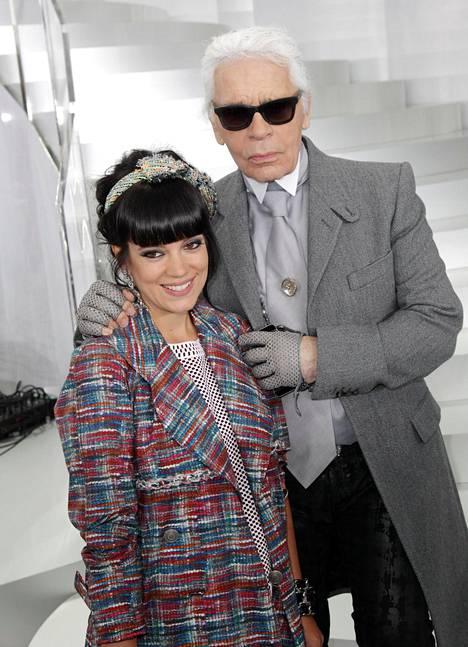 Brittilaulaja Lily Allen oli yksi Lagerfeldin yllättävistä muusista. Kuva vuodelta 2014.