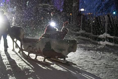 Joulupukkia ei asiantuntijoiden mukaan kannattaisi tänä vuonna kutsua kylään.