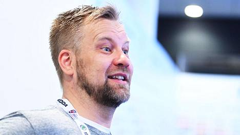 Mikko Manner on Kärppien päävalmentaja.