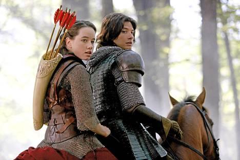 Susan (Anna Popplewell) ja prinssi Kaspian (Ben Barnes).