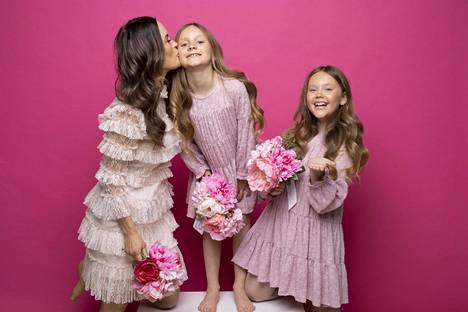 Martina aikoo viettää äitienpäivän Hangossa yhdessä tyttäriensä Isabellan ja Victorian kanssa.