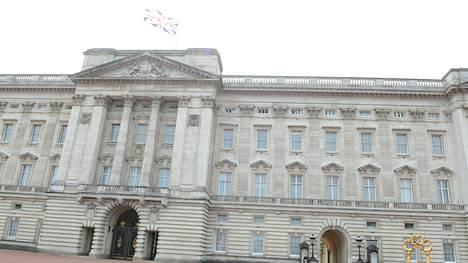 Buckinghamin palatsissa olisi kokin paikka auki.