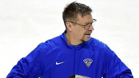 Jukka Jalonen toivoo, että seurat pitävät kynsin hampain kiinni valmentajistaan.