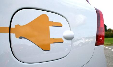 Autojen lataus on tulevaisuutta, mutta edelläkävijyyttä ei tunnu löytyvän.