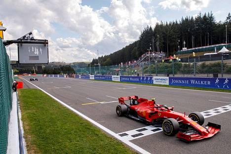 Leclerc nappasi uransa ensimmäisen F1-voiton viime syyskuussa Belgian osakilpailusta.