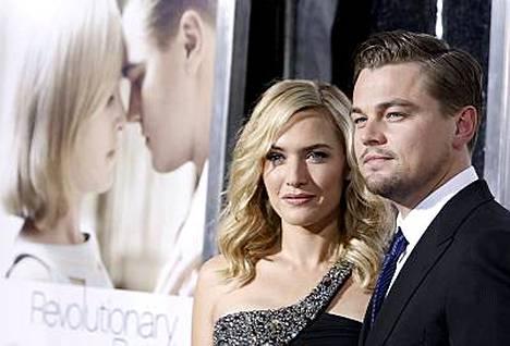 Kate Winslet ja Leonardo Di Caprio ovat Revolutionary Roadin pääosissa.