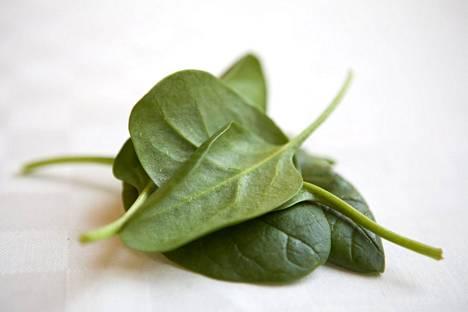 Vihanneksia kuten lehtikaalia ja pinaattia tulisi syödä tasaisesti, ei yhtäkkisinä suurina määrinä.