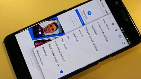 """Valitsemalla Chromen valikosta """"käytä tietokoneversiota"""" -tilan, pääset käyttämään Facebook Messengerin verkkoversiota."""