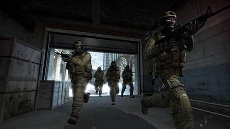 Counter-Strike-pelisarjan uusinta osaa Global Offensivea voi pelata ilmaiseksi, mutta skineihin saa upotettua rahaa jopa tuhansien eurojen edestä. Skineillä ei kuitenkaan saa mitään etua pelaamiseen.