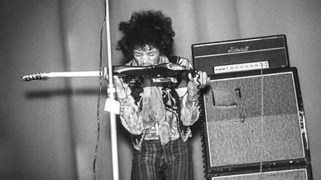 The Jimi Hendrix Experience nähtiin 22.5.1967 Kulttuuritalolla.