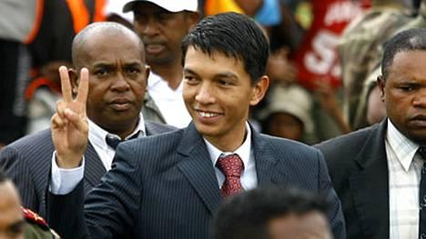 Kapinalliset sotilaat yrittävät syrjäyttää Madagaskarin presidentin Andry Rajoelinan.