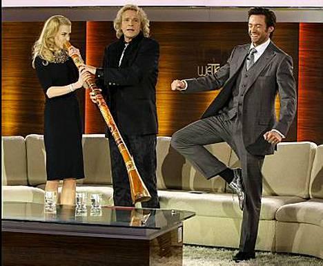 Hugh Jackman innostui tanssimaan Nicole Kidmanin soittaessa.