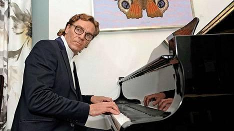 Tuomas Hoikkala on käynyt Sibelius-Akatemian.