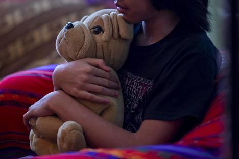 Joka viides lapsi kärsii psyykkisestä tai fyysisestä väkivallasta kotonaan.