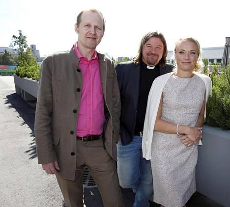 Maaret Kallion kanssa asiantuntijoina toimivat toisella kaudella Mikael Saarinen ja Kari Kanala.