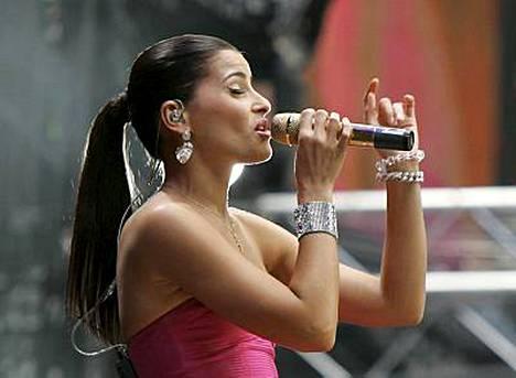 Nelly Furtado esiintyi konsertissa.