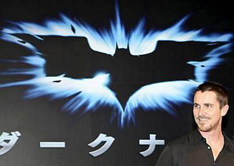 Christian Bale on viime ajat kiertänyt maailmaa mainostamassa uutta Batman-elokuvaa Yön ritaria.