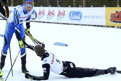 Hannu Manninen onnitteli hänet muutamalla kymmenyksellä voittanutta Arttu Mäkiahoa.