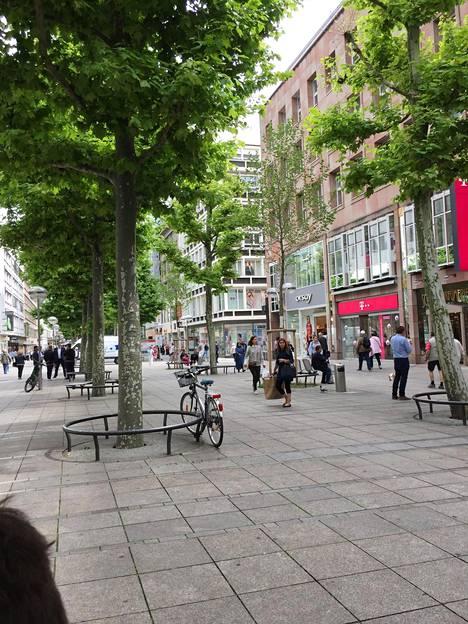 Königstrasse on Stuttgartin tärkein ostoskatu.
