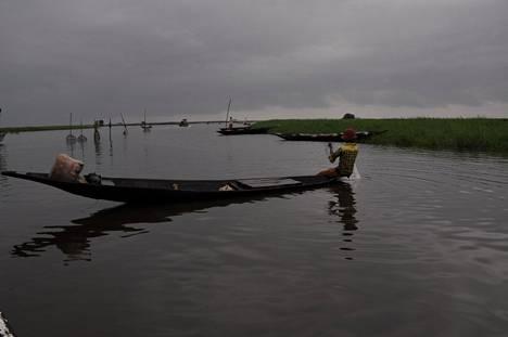 Kalastajakylän asukkaat ovat ottaneet ensimmäiset testausryhmät hyvin vastaan.