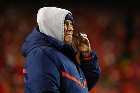 Valmentajavelho Bill Belichick rynni jälleen joukkoineen Super Bowliin.