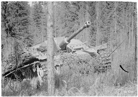 Suomalaiset rynnäkkötykit olivat valmiina Viipurin ulkopuolella torjumaan hyökkäyksen.