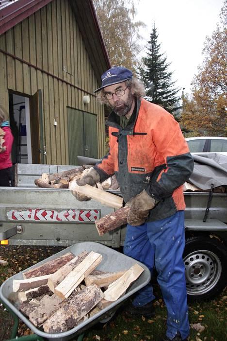 Mökki ei kunnosta itse itseään, Aimo Särkijärvi, 67, tietää.