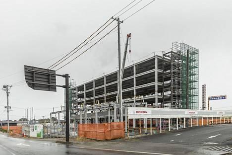 Namieen rakennetaan uutta asuntolaa alueen työntekijöille.