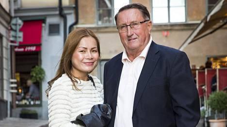 Curt Lindström on jo kymmenen vuoden ajan pitänyt yhtä thaimaalaisen Wannarotin kanssa.